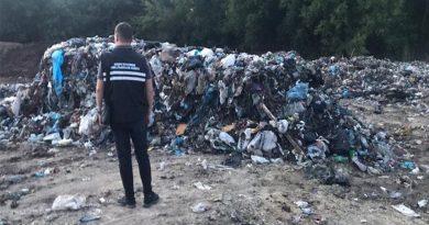 Підприємець із Вінниччини звозив на територію області «львівське» сміття