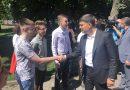 Випускників, які здали ЗНО на 200 балів привітав Володимир Гройсман